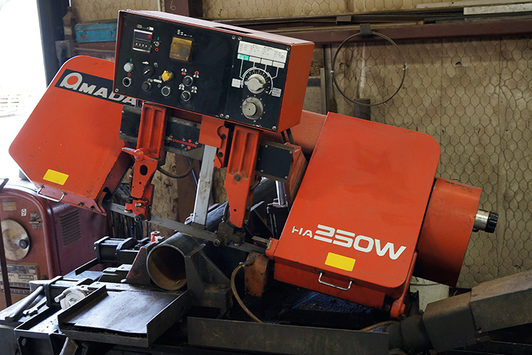 SAW CUTTING SERVICEAmada HA250W